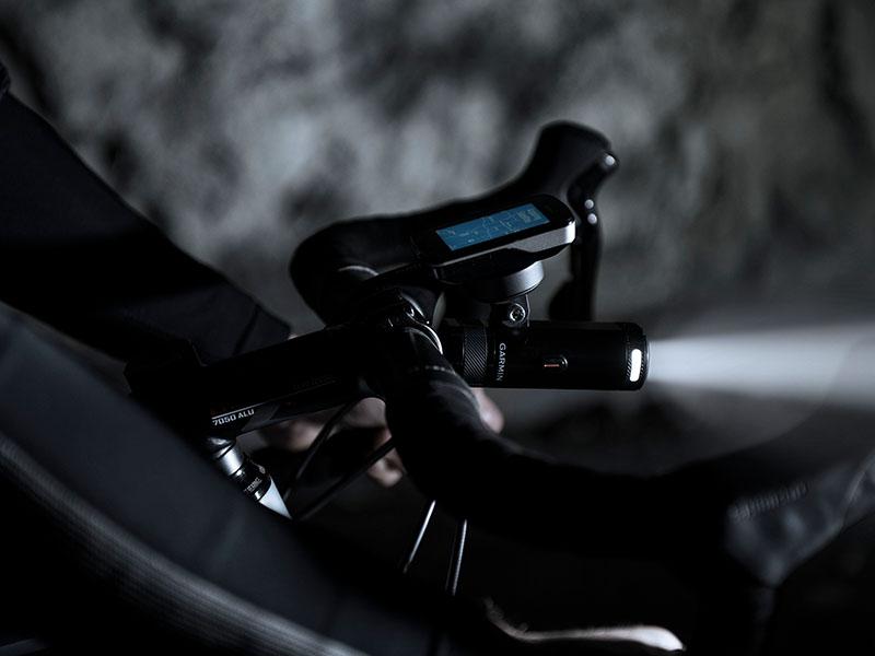 010-01673-00 Garmin Varia UT800 Smart Phare Urban Edition Support vélo