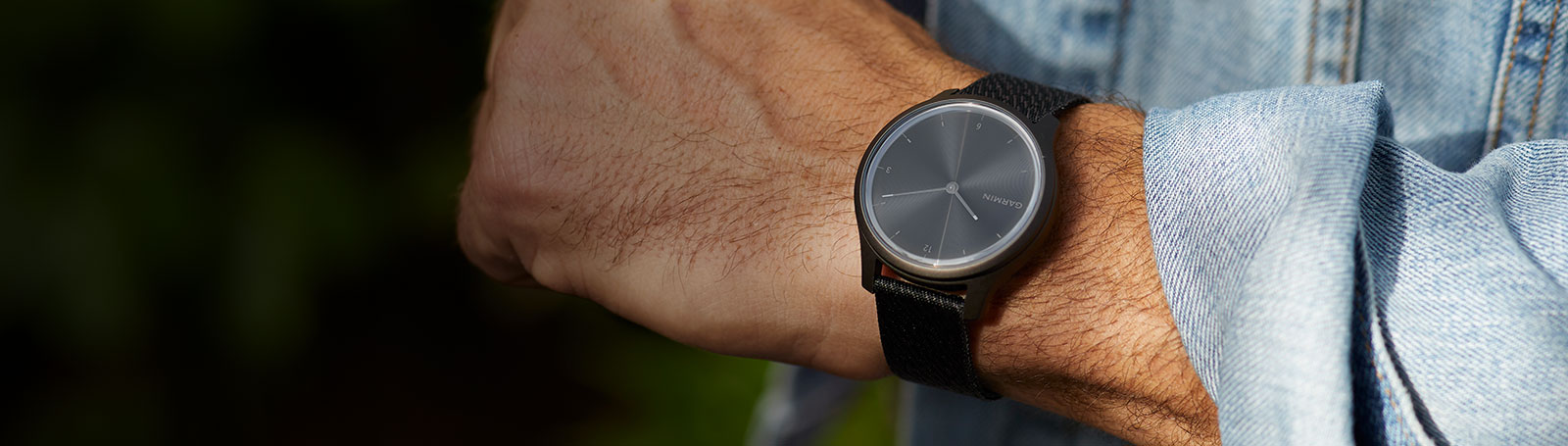 The stylish way to track fitness.