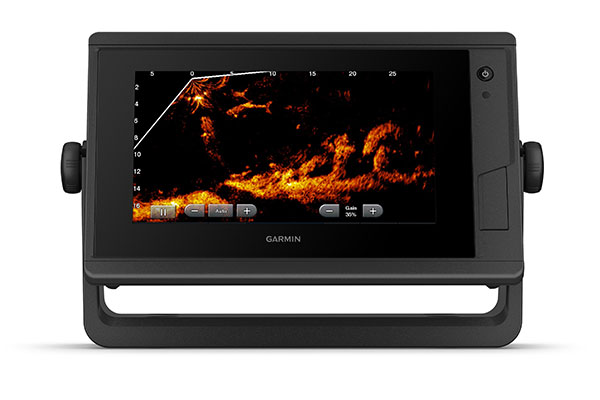 GPSMAP® 722xs Plus with Panoptix sonar screen
