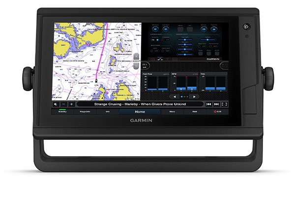 GPSMAP® 922xs Plus with J1939 connectivity screen