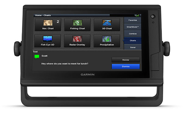 GPSMAP 942xs Plus with ActiveCaptain screen